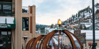 outdoor igloos, Park City, drinks, outdoor seating